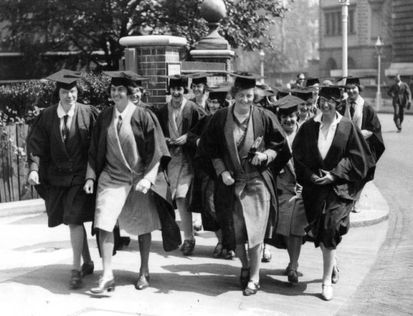 Students at Presentation Day, 1930 (reference UoL/FG/5/2)
